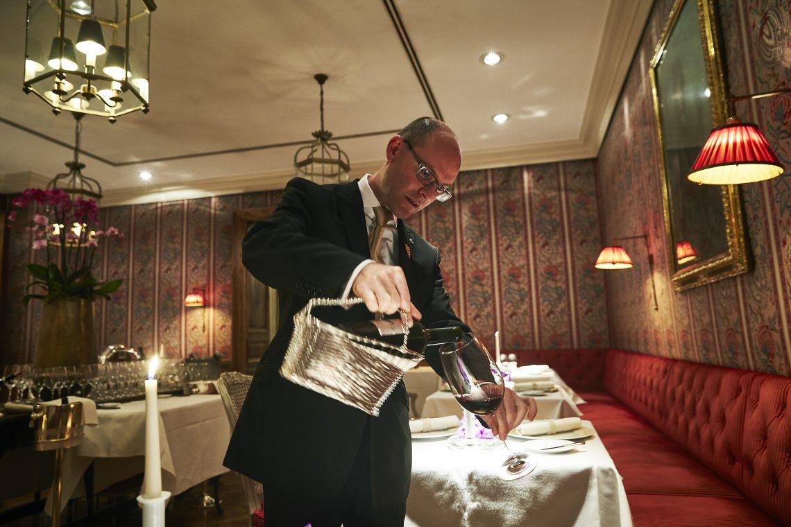 Franck Mouzon, Français -Sommelier im Steigenberger Frankfurter Hof, spricht im Interview über seine Liebe zum Wein
