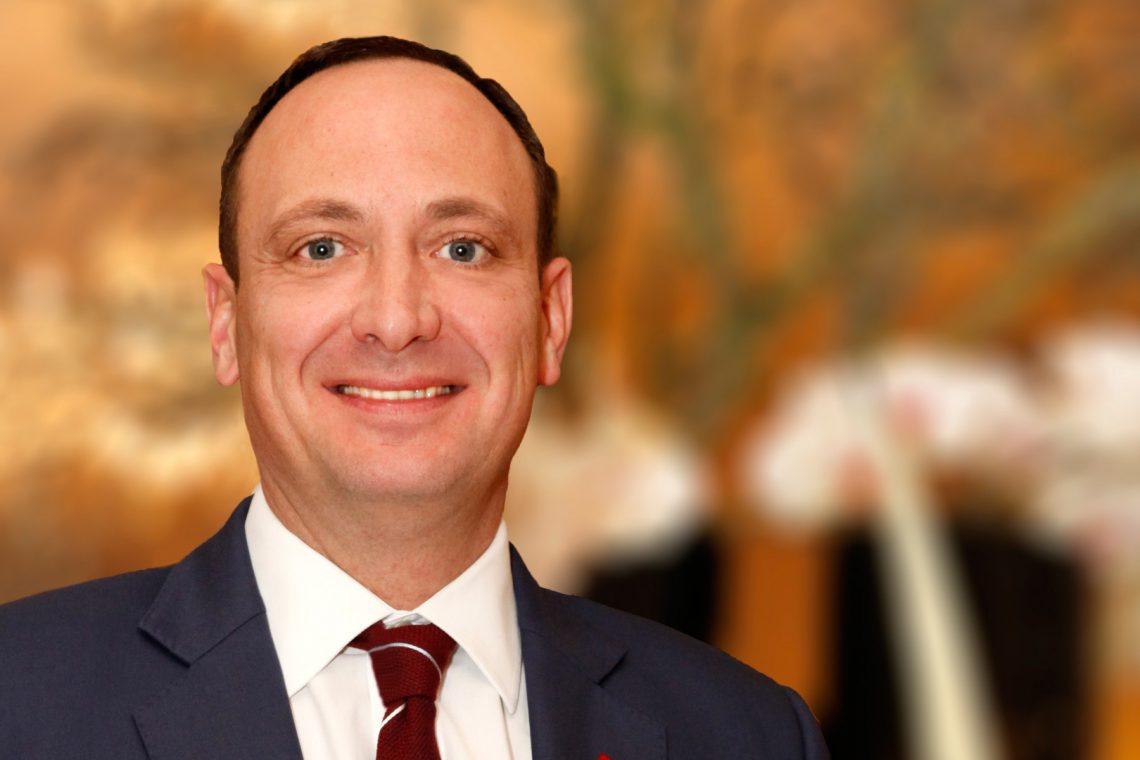 Moritz Klein, Hoteldirektor im Steigenberger Frankfurter Hof, über Ausland, Abenteuer und Lebensstil