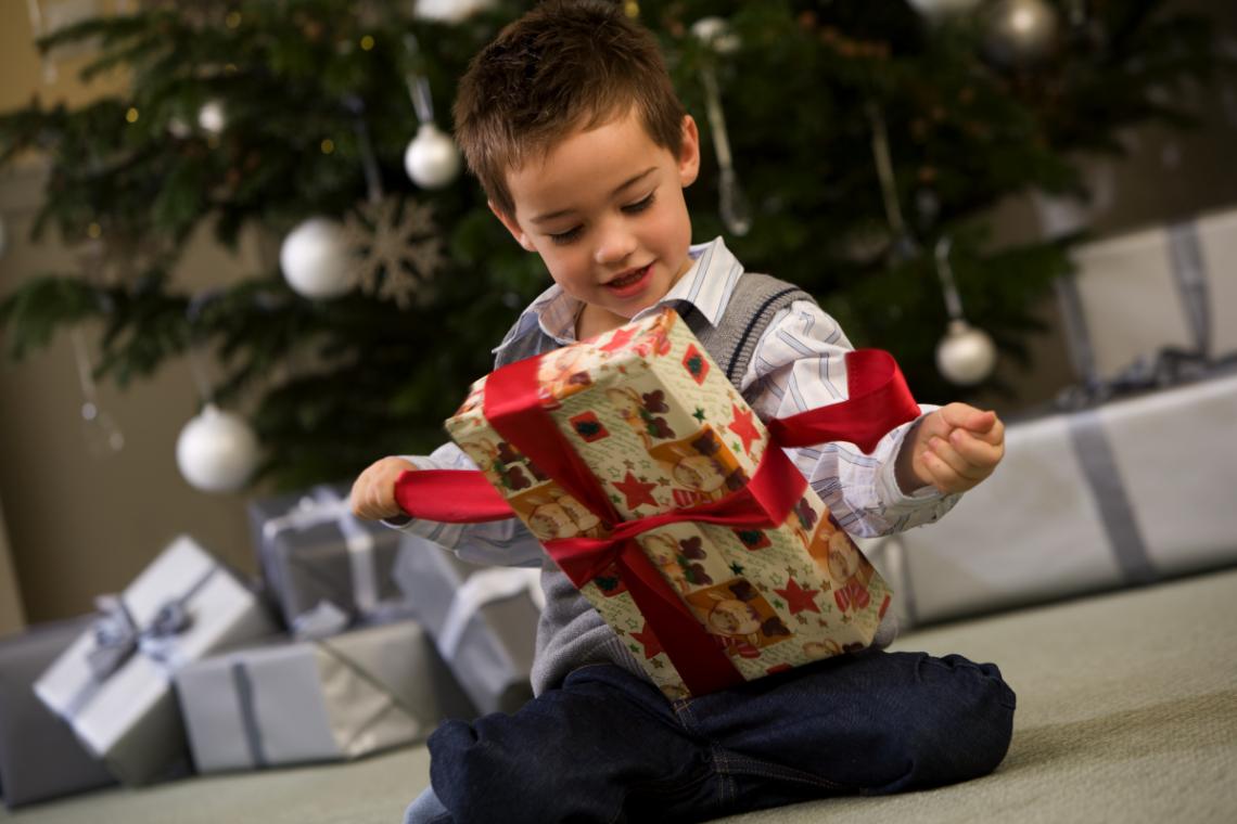Steigenberger Frankfurter Hof: Hotelgäste erfüllen benachteiligten Kindern ihre Weihnachtswünsche