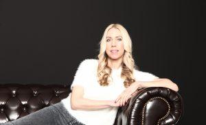 """Jane Uhlig hat gemeinsam mit Heidi Stopper das Buch """"Blondinen im Management"""" (Jane's Verlag) geschrieben"""