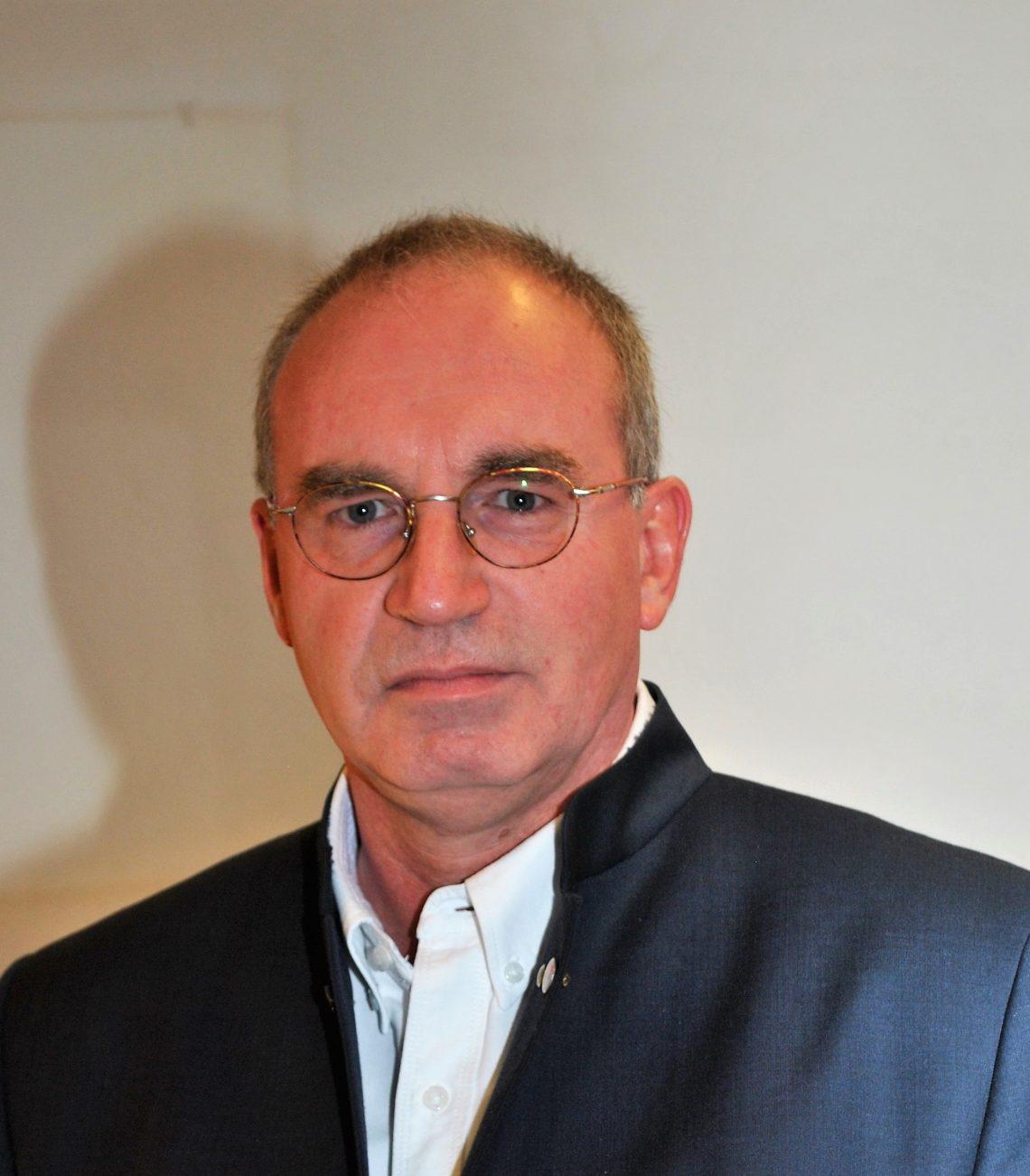 Kniespezialist Hans Kuhlbrodt über Knieprobleme beim Sport