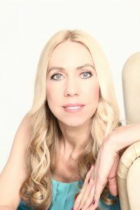 Jane Uhlig, (Publizistin, Mental Soul Coach und Hypnose Coach) coacht am Roten Meer oder am Mittelmeer