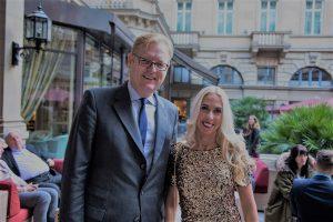 Wirtschaftsdezernent Markus Frank mit Jane Uhlig