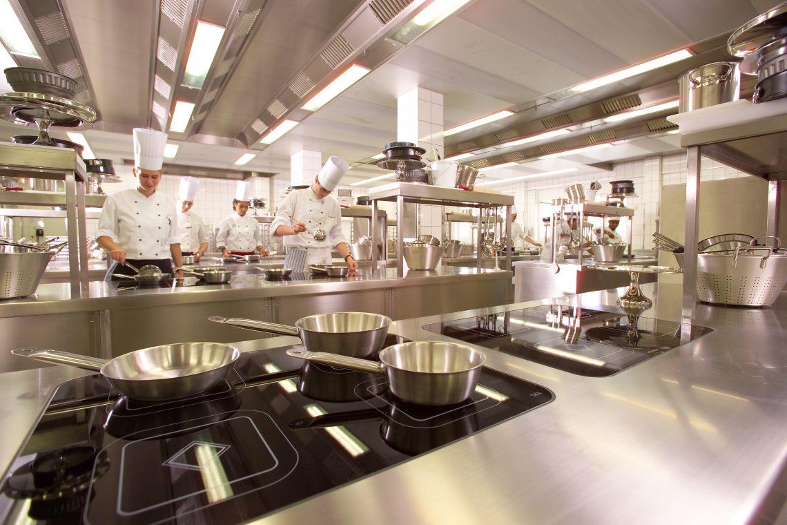Best Western Premier IB Hotel Friedberger Warte: 21 internationale Nachwuchs-Köche kochten um die Weltmeisterschaft in der Schulungsküche