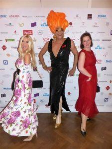 PR-Frau Jane Uhlig mit Finanzexpertin Jekaterina Schörling auf dem LOVEBALL-Frankfurt
