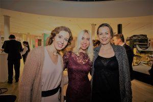 PR-Frau Jane Uhlig (Mitte) begrüßte Frau Dr. Eva Tholuck (1. von links)