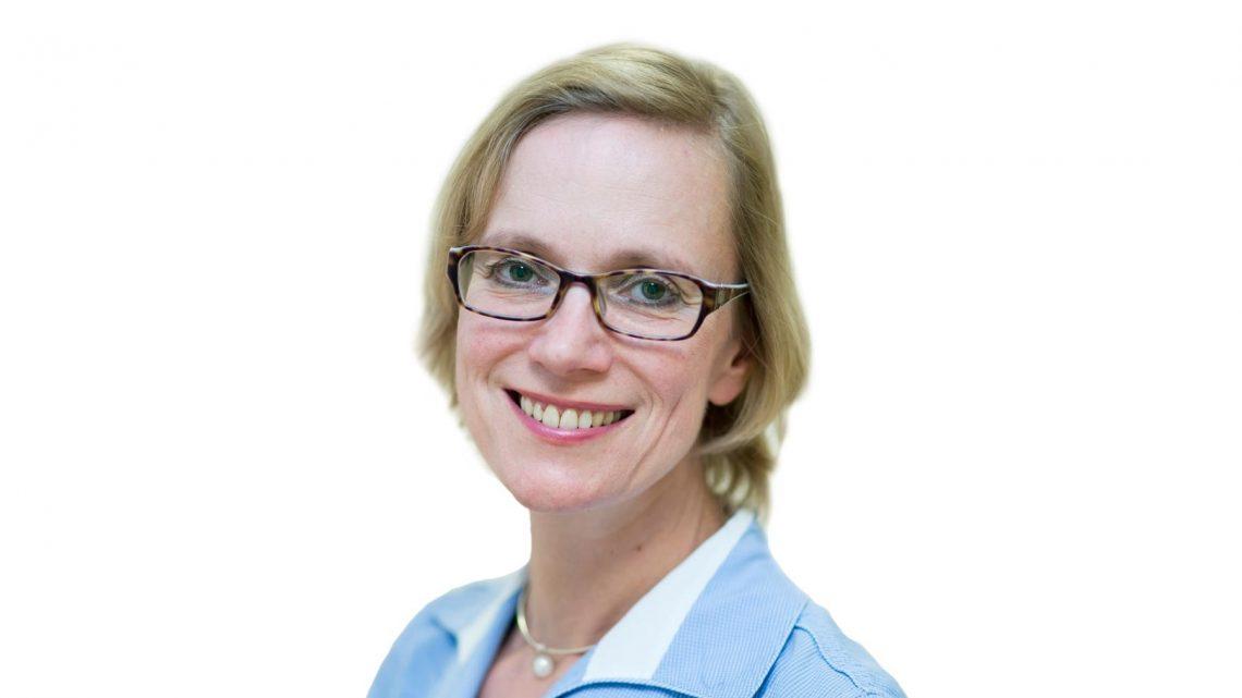 Bekannte Kolumnistin Pia Rolfs im Autorengespräch im Steigenberger Frankfurter Hof