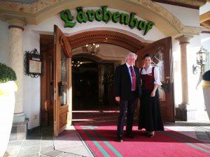 Inhaber Martin Unterrainer und Hoteldirektorin Melissa Mathe