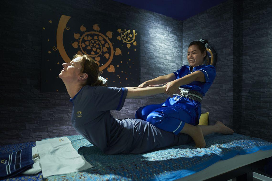 Energie-Blockaden mit Yoga-Thai-Massagen lösen im JS THAI-SPA Bad Soden im Taunus