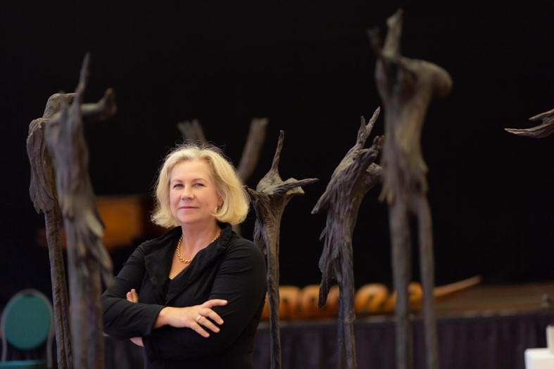 """Presse-Foto-Termin: Gabriele von Lutzau,""""Engel von Mogadischu"""" startet Pinken Oktober im Steigenberger Frankfurter Hof"""