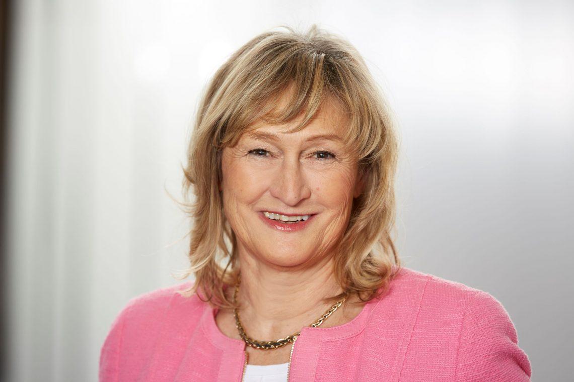 Interview herCAREER: Beiersdorf-Aufsichtsrätin Prof. Manuela Rousseau: Selbstzweifel überwinden: Wir brauchen Frauen, die sich trauen