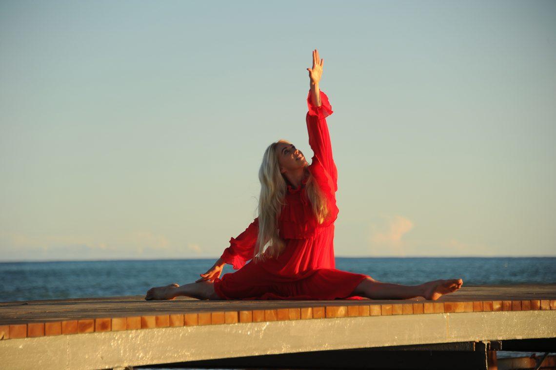 Seehotel Niedernberg: Yoga-Retreats mit Promi-Coach und Wirtschaftsexpertin Jane Uhlig im Seehotel Niedernberg